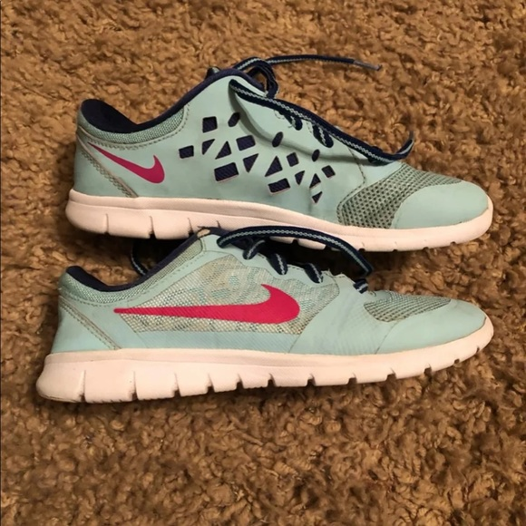 nike shoes youth size 3